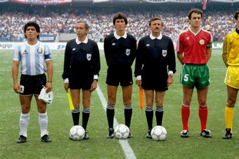 Soccer – World Cup Mexico 1986 – Group A – Argentina v